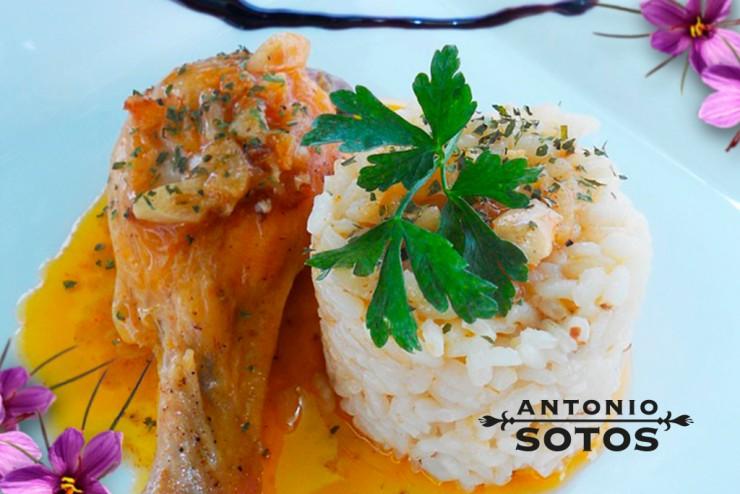 Pollo Especiado con Salsa de Almendras y Azafrán