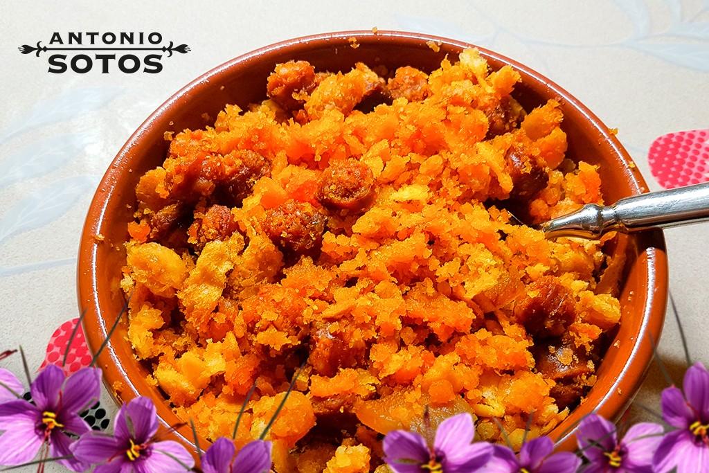 Saffron migas ruleras (Saffron fried breadcrumbs)