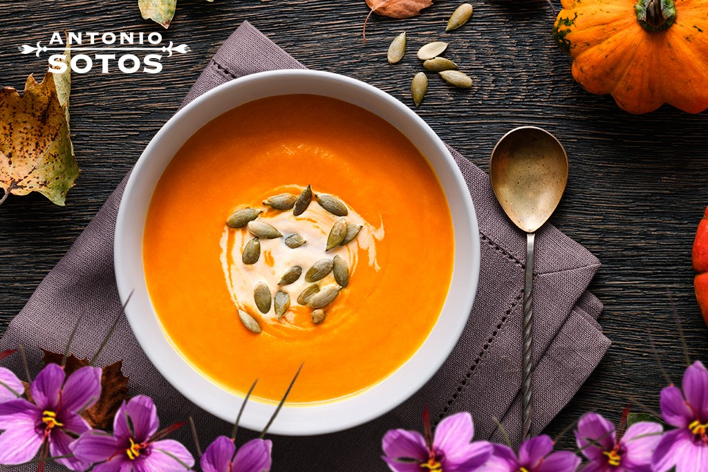 Saffron pumpkin soup