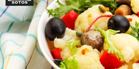 Saffron cauliflower and mushroom salad
