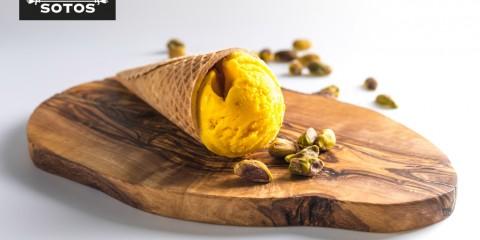 Crema helada de azafrán y aceite de oliva