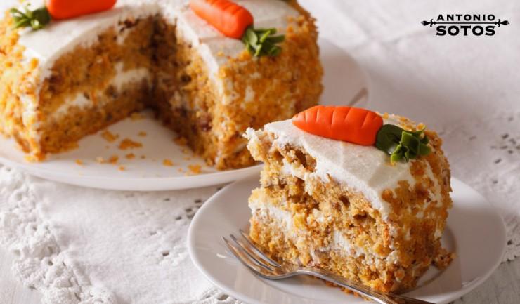Pastel de zanahoria con crema de queso