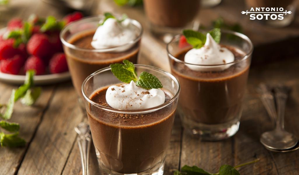 Mousse de chocolate al azafrán