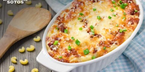 Macarrones con bechamel de azafrán y queso